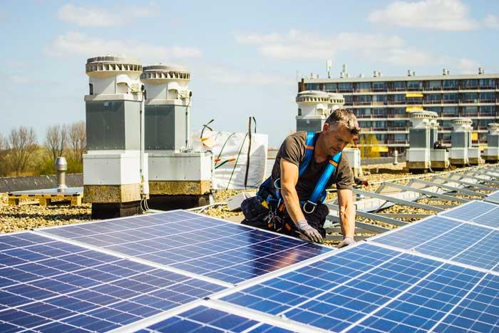 Ontwerp en levering zonnepanelen aan Pré Wonen in Haarlem door Energie-Unie.